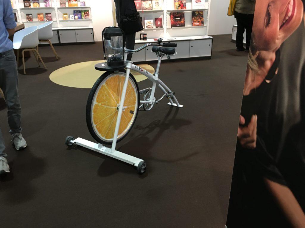 Bild: Fahrrad in Halle 4.1 der Buchmesse