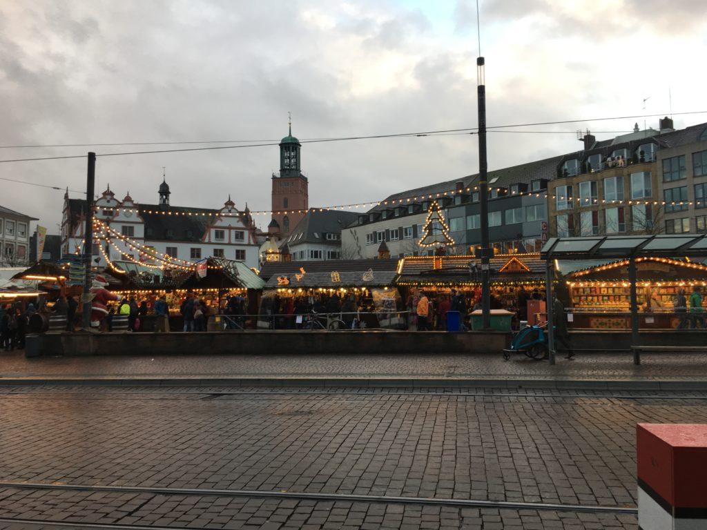 Der Darmstädter Weihnachtsmarkt aus Sicht des Residenzschloss'