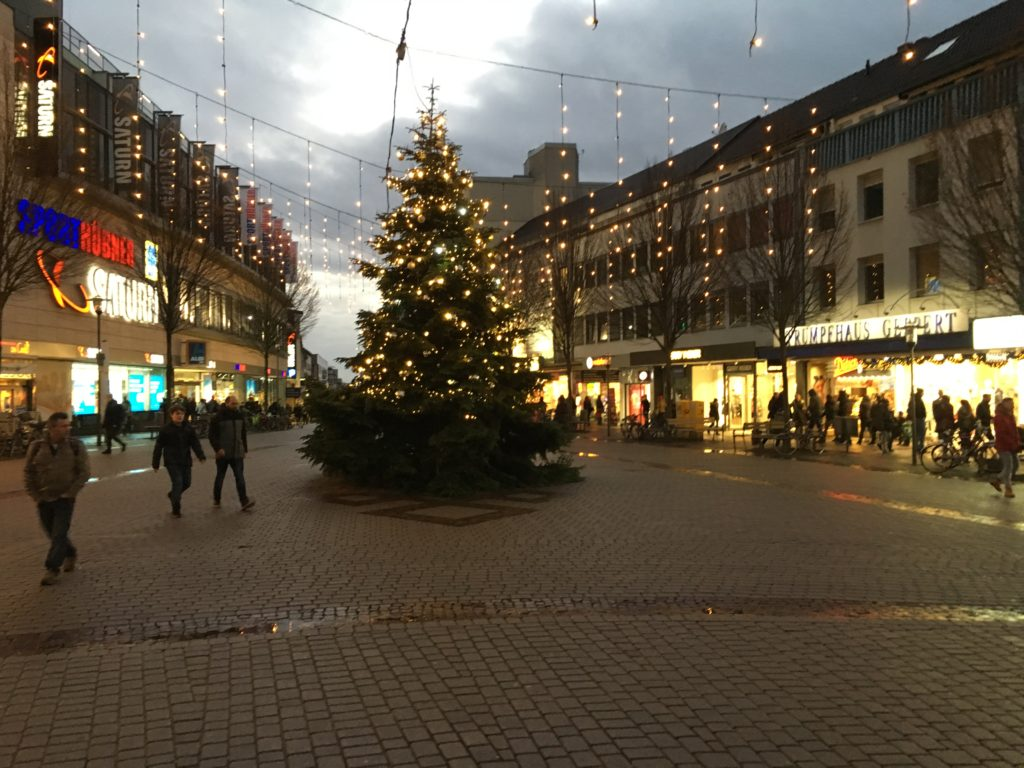 NIcht nur der Weihnachtsmarkt, sondern die komplette Innenstadt ist geschmückt