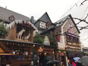 Rüdesheimer Weihnachtsmarkt: Inmitten der Fußgängerzone