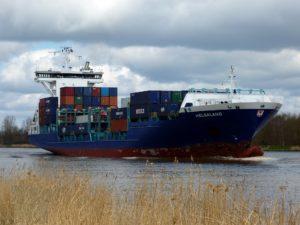 """Symbolbild: Frachtschiff """"Grande America"""" verliert Schweröl"""