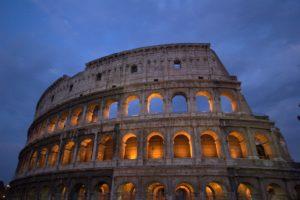 Symbolbild: Kolosseum in Rom; Italiens Schuldenberg lässt nicht nach
