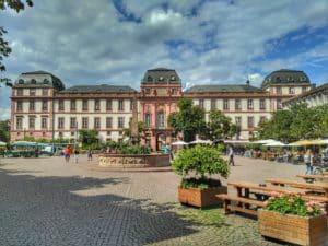 Symbolbild: 69. Heinerfest in Darmstadt rund um das Residenzschloss