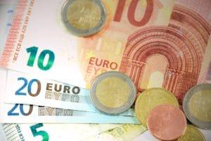 Symbolbild: Soli teilweise abgeschafft: Nun eine Reichensteuer