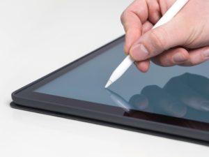 Symbolbild: Apple Pencil und Tablet