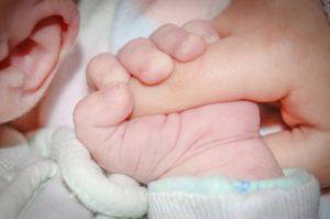 Symbolbild: Mehrere Fehlbildungen bei Babies in kurzer Zeit