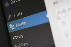 Symbolbild: CMS, wie WordPress helfen bei der Arbeit mit Multimedia-Dateien.