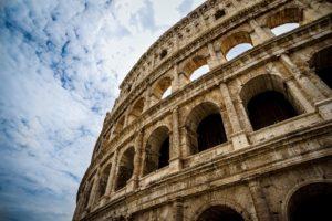 Symbolbild: Regierungsbildung in Italien: Von Drohungen zu Demos