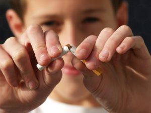 Symbolbild: Bundesrat fordert Rauchverbot im Auto