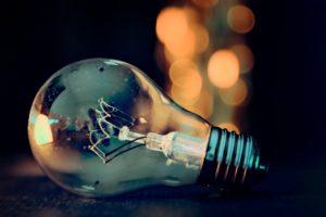 Symbolbild: Stromanbieter ziehen Stromkosten an