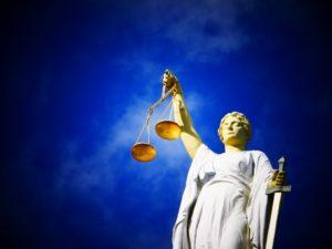 Symbolbild: BGH: Rechtshilfe durch Online-Portale rechtens