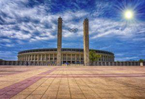 Symbolbild: Großveranstaltung im Berliner Olympiastadion für eine bessere Welt