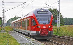 """Symbolbild: Wie sich die Deutsche Bahn auf Sturmtief """"Sabine"""" vorbereitet"""