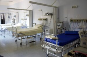 Symbolbild: Der YouTuber ItsMarvin & die verlassene Klinik