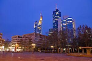 Symbolbild: Ausschreitungen am Frankfurter Opernplatz