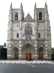 Symbolbild: Es brannte in der Kathedrale von Nantes