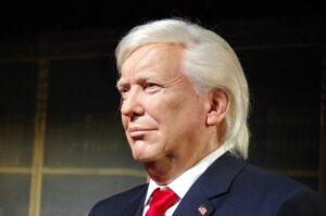 Symbolbild: Donald Trump erlässt Roger Stone Gefängnisstrafe