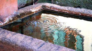 Symbolbild: Penis-Brunnen von Jossgrund erregt bundesweite Aufmerksamkeit