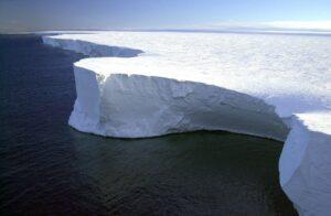 Symbolbild: Großes Stück der Eisdecke von Grönland abgebrochen