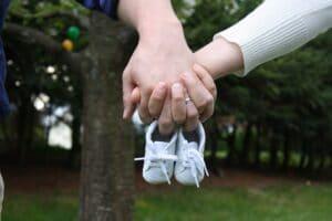 Symbolbild: Lässt sich der Abwärtstrend stoppen: China lockert Geburtenkontrolle
