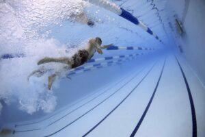 Symbolbild: Leiche in Schwimmbad gefunden